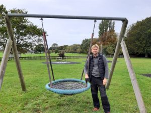 photo of the swing basket in glynde recreation ground